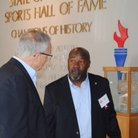 Steve Savarese chats with Tommie Agee